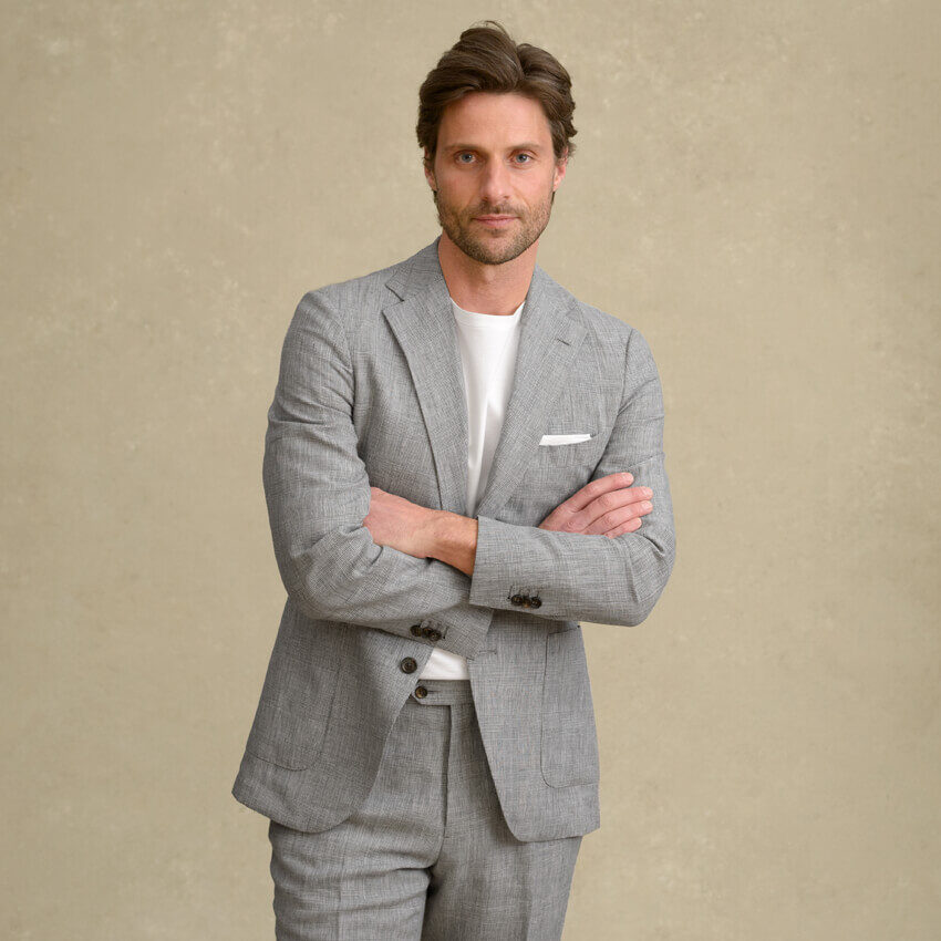 Look: The Linen and Wool Suit Zoomed